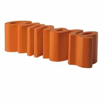 designer-bank-shop-design-slide-amore-kunststoff-sitzbank-in-outdoor-orange
