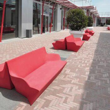 designer-lounge-outdoor-betrieb-stadt-besucher-wartebereich-ausstattung