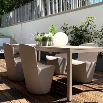 exklusive-gartenstuehle-hotel-terrassen-objekt-design-slide-zoe