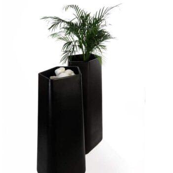 qui-est-paul-rock-garden-designer-pflanzgefaess-black-L
