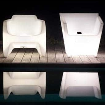 qui-est-paul-translation-raffy-armchair-light