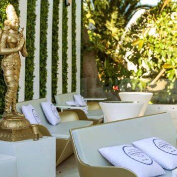 slide-moebel-hotel-kami-gold-gartenmoebel-in-outdoor-objekt-design