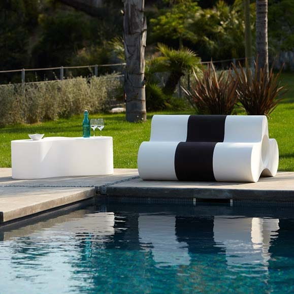 slide wheely bank lautes pang f r ein modernes. Black Bedroom Furniture Sets. Home Design Ideas