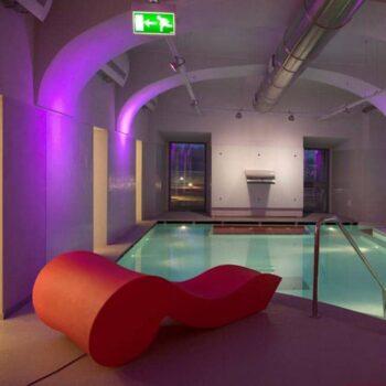 design-liege-spa-pool-luxus-rococo-red