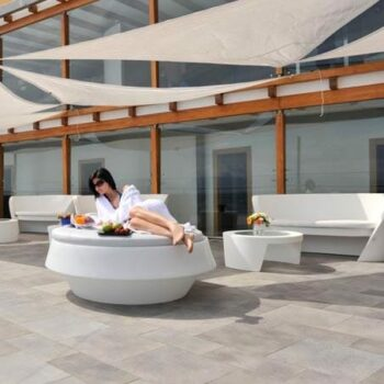 hotel-terrassen-design-moebel-kunststoff-slide-gio-rap-tao