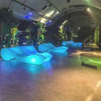 slide-rococo-liege-beleuchtet-spa-wellness-pool-design-moebel
