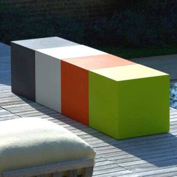sitzwuerfel-kunststoff-outdoor-40-50-cm-farbig