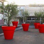 stadt-begruenung-pflanzgefaesse-bordo-xl-pflanzkuebel-extra-groß-pflegeleicht-pe-kunststoff-rot