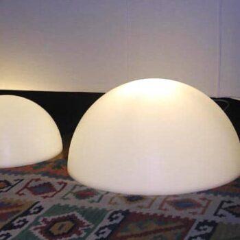 beleuchtete-halbkugel-in-outdoor-slide-mezzo-globo-leucht-halbkugel-1