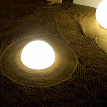beleuchtete-halbkugel-in-outdoor-slide-mezzo-globo-leucht-halbkugel-2