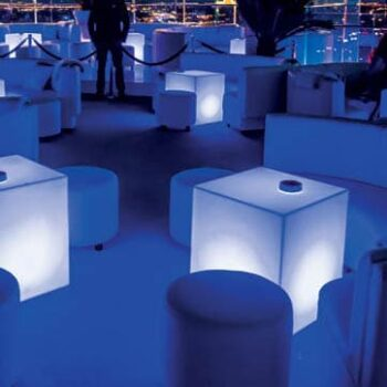 leuchtwuerfel-wuerfel-beleuchtet-cube-slide-design-blue-1