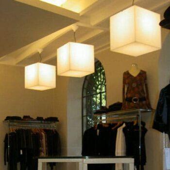 beleuchtete-wuerfel-haengeleuchten-haengelampe-pendelleuchte-slide-design-cubo-hanging-11