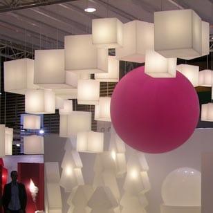 beleuchtete-wuerfel-haengeleuchten-haengelampe-pendelleuchte-slide-design-cubo-hanging-3