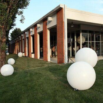 gartenbeleuchtung-aussenbeleuchtung-kugel-beleuchtet-slide-globo-outdoor-matt-oder-glanz-30-bis-200-cm