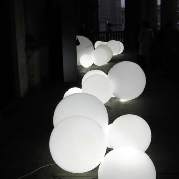 kugel-beleuchtet-aussenbeleuchtung-gartenbeleuchtung-slide-globo-outdoor-matt-oder-glanz-30-bis-200-cm.jpg