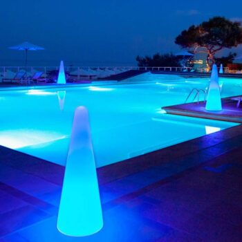 leuchtkegel-design-outdoor-garten-pool-beleuchtung-slide-cono-kegel-form-xl