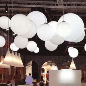 leuchtkugel-haengend-kugelleuchten-30-bis-200-cm-objekt-beleuchtung-in-outdoor