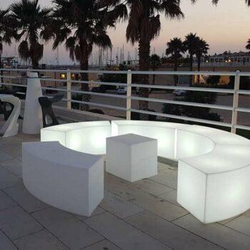 objekt-design-moebel-sitzbank-beleuchtet-snake-modul-objekt-design-moebel-kunststoff-indoor-outdoor