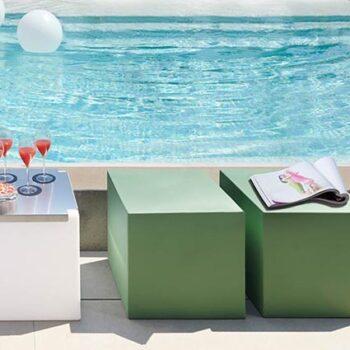 sitz-wuerfel-kubus--pool-kita-schul-gartenmoebel-slide-cubo-in-outdoor