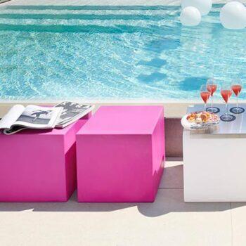 sitzwuerfel-ablage-tisch-pool-kita-schul-gartenmoebel-slide-cubo-in-outdoor