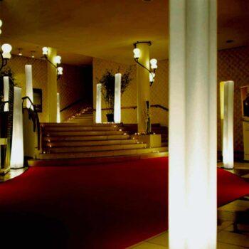 slide-brick-leuchtsaeule-saeulenleuchte-standleuchte-design-beleuchtung-italien-4