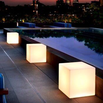 slide-cubo-light-in-outdoor-pool-terrassen-beleuchtung