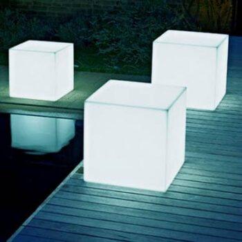 slide-cubo-wuerfel-sitzwuerfel-beleuchtet