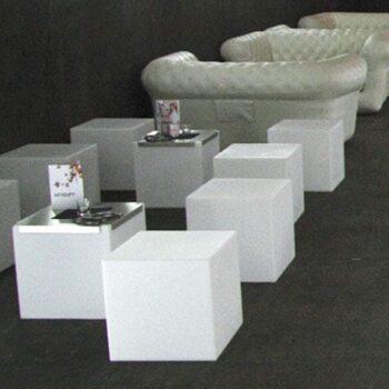 slide-design-cubo-sitzwuefel-lack-wuerfel
