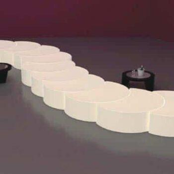 slide-design-moebel-catwalk-buehnen-podest-beleuchtet-wave-light