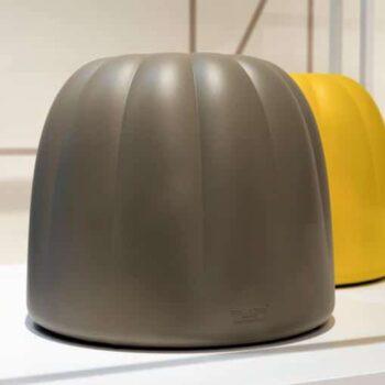 slide-design-pouf-hocker-ablage-gelee-in-outdoor