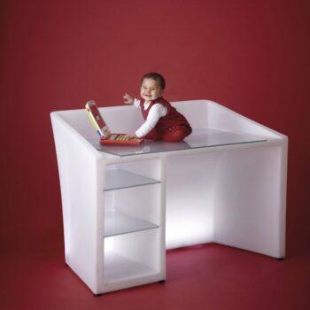 slide-design-schreibtisch-desk-beleuchtet-kanal-beleuchtung