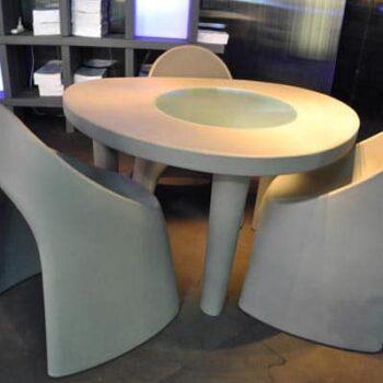 slide-designer-tisch-coccode-glastisch-in-outdoor-2