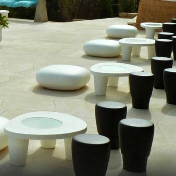 slide-designer-tisch-coccode-glastisch-in-outdoor