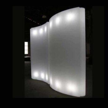 slide-gio-wind-raumteiler-display-beleuchtet