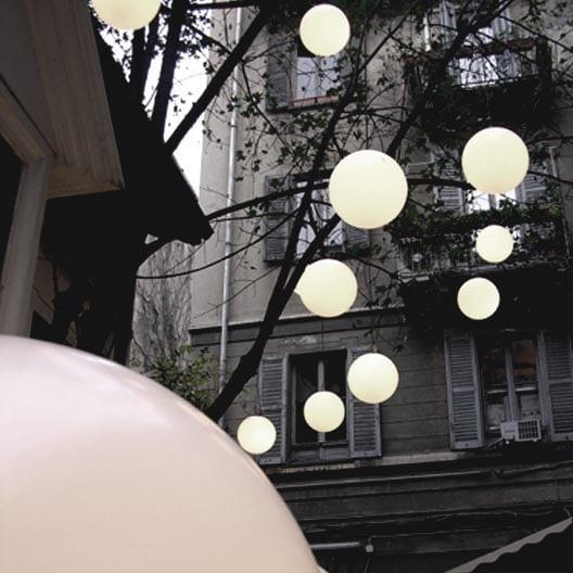 slide globo leuchtkugel als outdoor pendelleuchte von 30 bis 200 cm. Black Bedroom Furniture Sets. Home Design Ideas