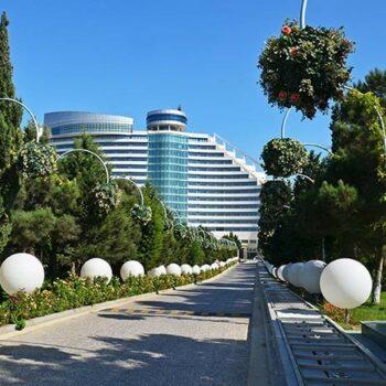 slide-hotel-outdoor-aussen-beleuchtung-leuchtkugel-kugellampe-globo