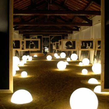 slide-mezzo-globo-leucht-halbkugel-beleuchtet-1