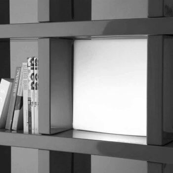slide-mybook-regal-steck-system-in-outdoor-quadra-beleuchtung-indoor