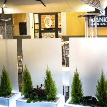 slide-prive-design-sichtschutz-trennwand-raumteiler-blumenkasten-pflanzkasten-beleuchtet-licht-beleuchtung