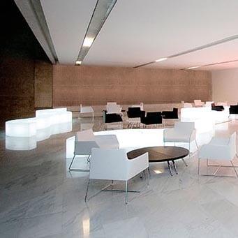 slide-sitzbank-design-moebel-beleuchtet-snake-modul-objekt--kunststoff-indoor-outdoor-3