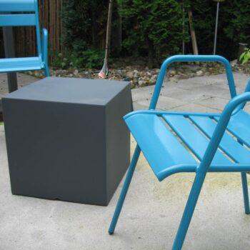slide-sitzwuerfel-wuerfel-40-farbig-kunststoff-in-outdoor-1