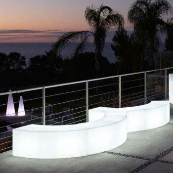 slide-snake-sitz-modul-bank-beleuchtet-ypsilon-cono--in-outdoor