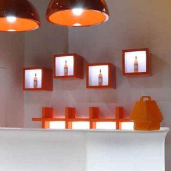slide-wuerfel-beleuchtet-regal-element-open-cube-design-moebel-produkt-praesentation-3