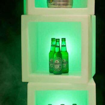 slide-wuerfel-beleuchtet-regal-element-open-cube-design-moebel-produkt-praesentation-indoor-outdoor-2