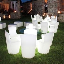 slide-zoe-design-stuhl-beleuchtet-messe-objekt-gastronomie-design-moebel