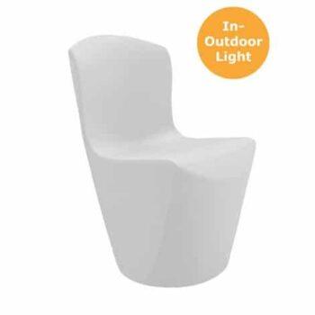 slide-zoe-stuehle-beleuchtet-in-outdoor-objekt-gastronomie-design-moebel