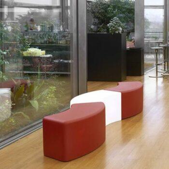 sitzbank-modul-objekt-design-moebel-slide-snake-soft-light-ambiente