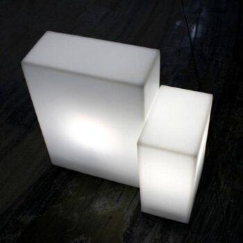 slide-base-leucht-quader-indoor-outdoor-gartenbeleuchtung-aussenbeleuchtung-1