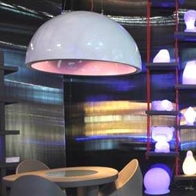 slide-design-cupole-lack-xxl-pendelleuchte-objekt-shop-beleuchtung-xxl