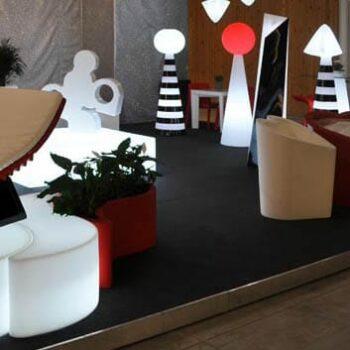 slide-there-reiter-skulptur-beleuchtet-skulptur-messe-beleuchtung-indoor-outdoor